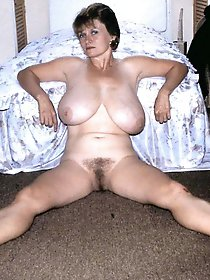 Remarkable mama posing naked for cash