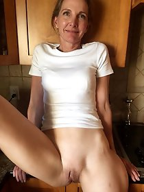 Hot mature lady get naked for you