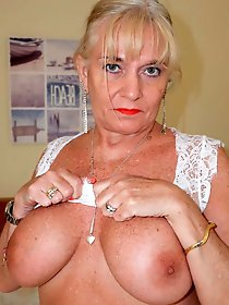 Naughty older mom trying to seduce