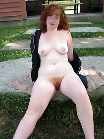 Erotic experienced MILF teasing like a pro